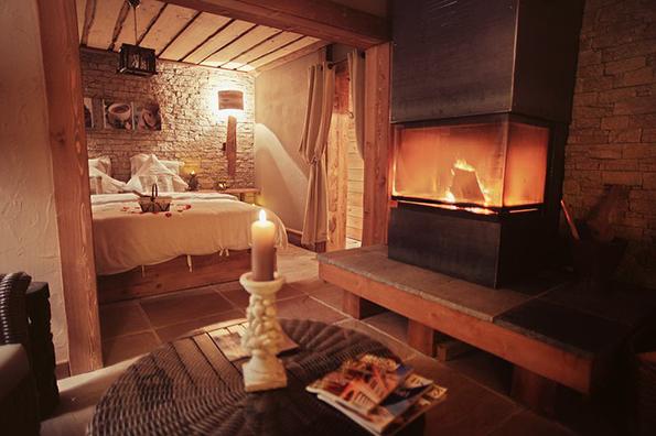 Séjour Romantique – Une nuitée en semaine – SPA des Délices